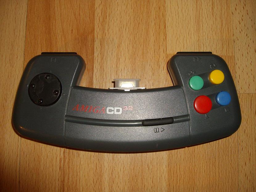 MANETTE DE JEU UNIVERSELLE MVGS2 COMMODORE AMIGA CD32 MODEL 1 ( UNIVERSAL RETROGAMING GAME PAD - UNIVERSAL RETRO CONTROLLER )