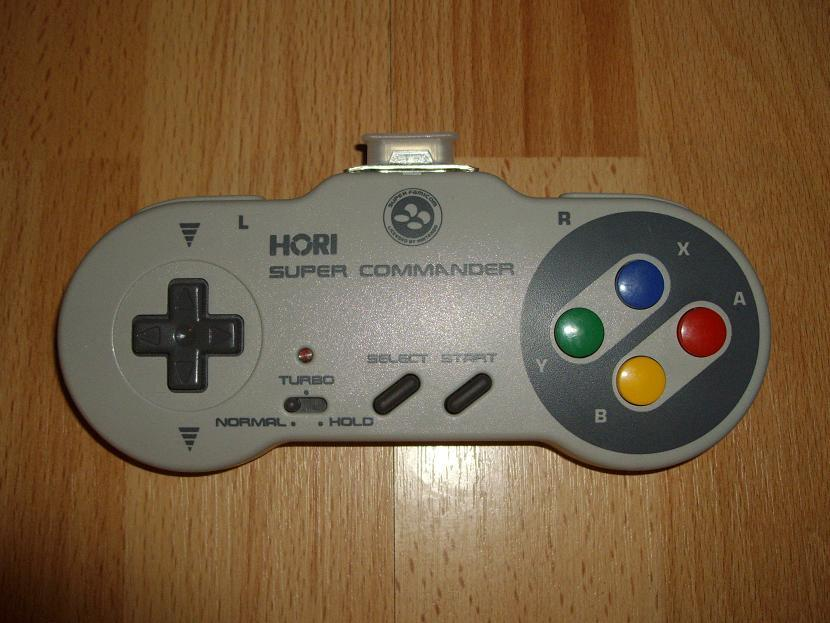MANETTE DE JEU UNIVERSELLE MVGS2 HORI SUPER FAMICOM SUPER COMMANDER MODEL HSJ-10 ( UNIVERSAL RETROGAMING GAME PAD - UNIVERSAL RETRO CONTROLLER )
