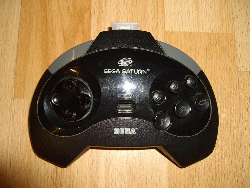 MANETTE DE JEU UNIVERSELLE MVGS2 SEGA SATURN MODEL MK-80301 ( UNIVERSAL RETROGAMING GAME PAD - UNIVERSAL RETRO CONTROLLER )
