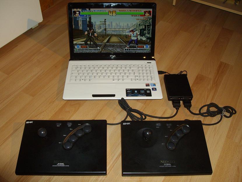 Le Neo-Mini : Pour les amoureux de la Neo-Geo Neo-Mini-Connecte-au-Pc